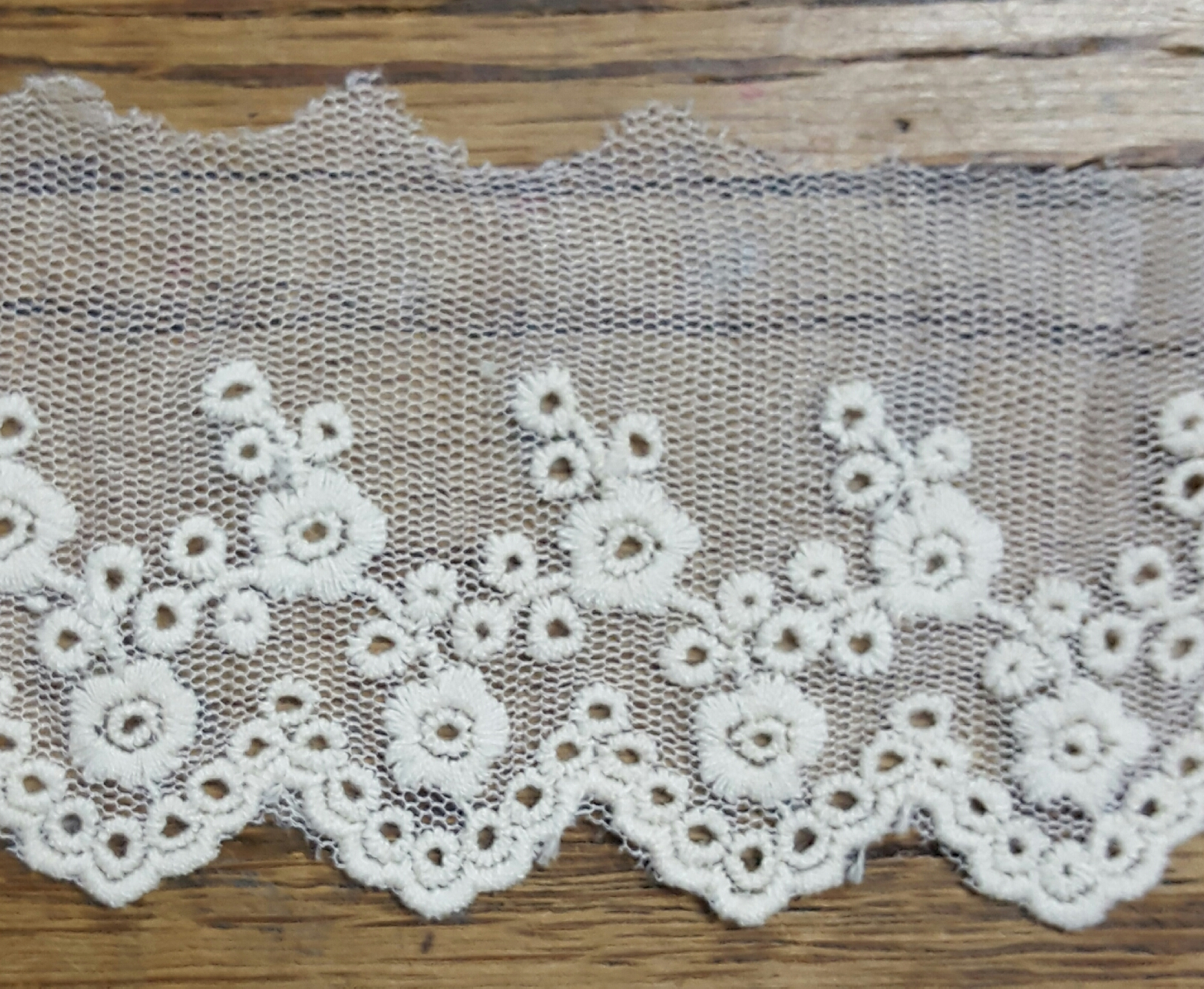"2 1/2"" Emboidery lace"